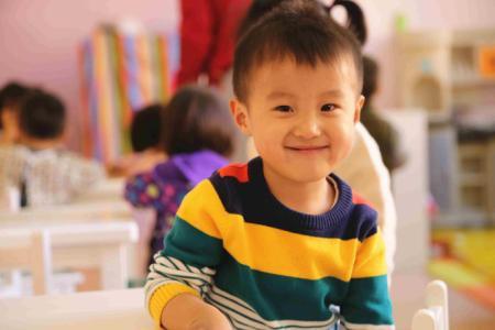 一招解决孩子在幼儿园尿裤子,吃饭慢,不午睡.