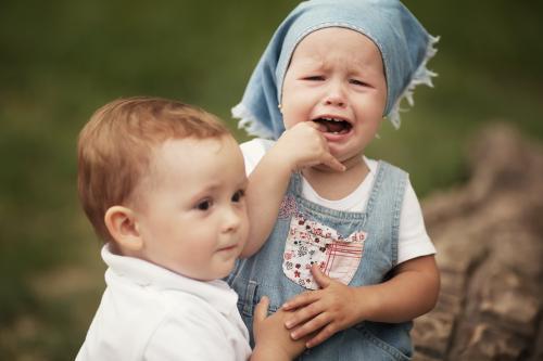 宝宝大哭图片可爱
